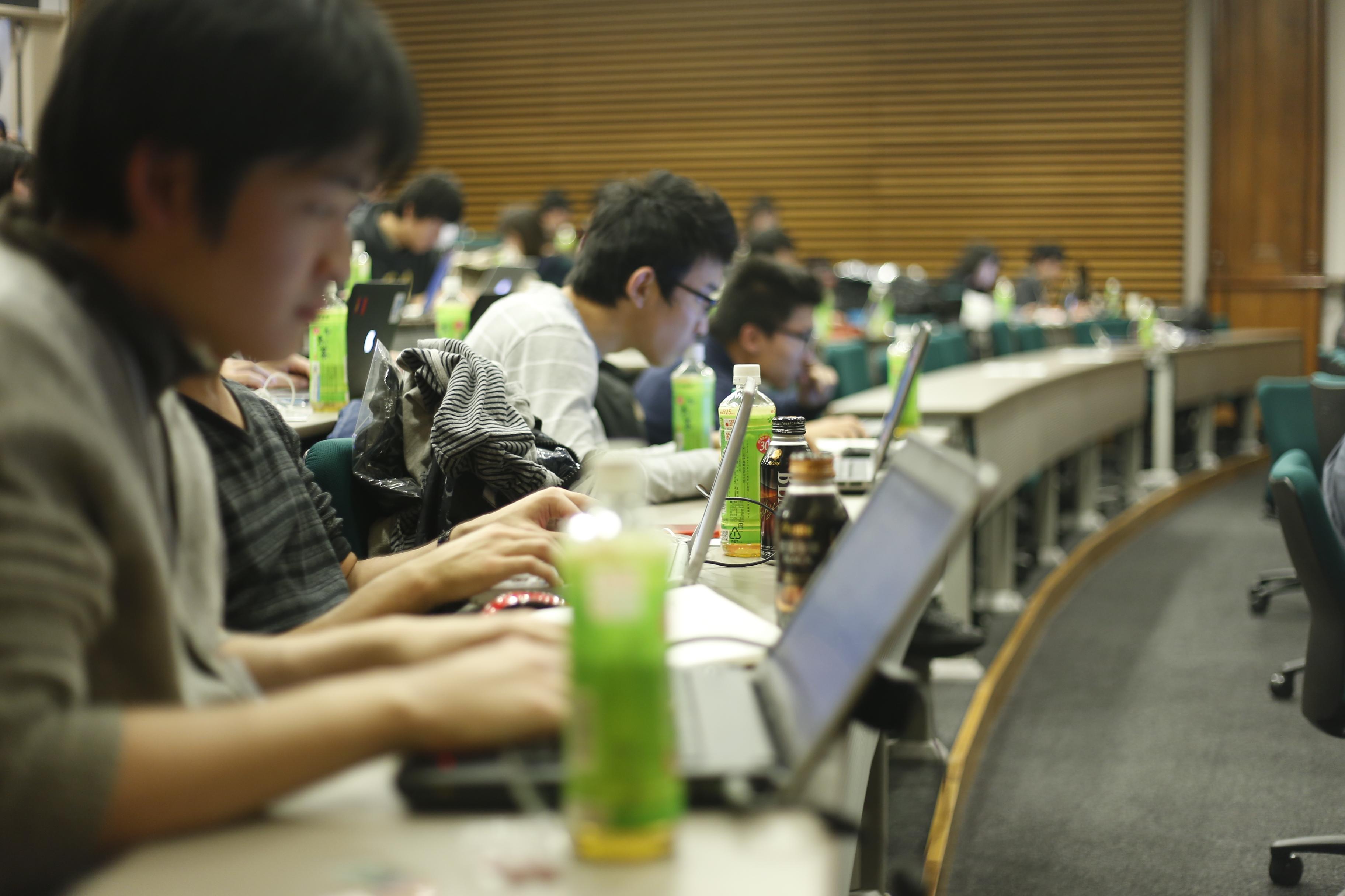 【学生必見】大学生がノートパソコンを選ぶ時陥りがちな4つの罠