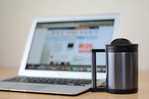 Macbook airがノマドワーカーにおすすめな4つの理由