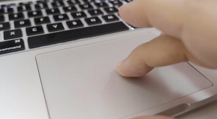 Macbook airのクリックが反応しない時の4つの対処法