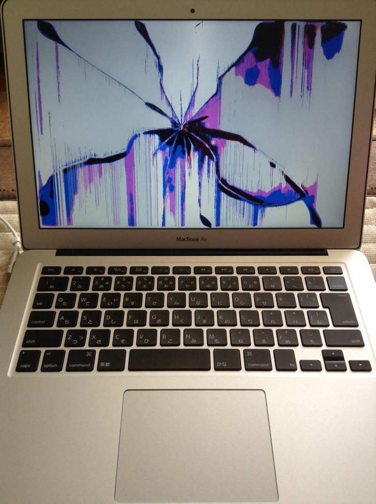 MacBook AIRが液晶割れした時の修理の方法ベスト4選