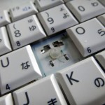 """ノートパソコンのキーボードの""""一部分""""が外れた時に元に戻す方法"""