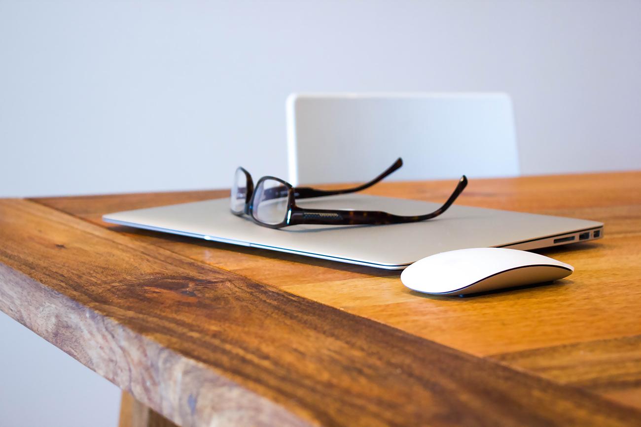 なぜノマドワーカーはMacBook AIRを選ぶのか?世界中で…