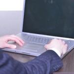 ノートパソコンの充電しながら作業は危険?バッテリーが激劣化!